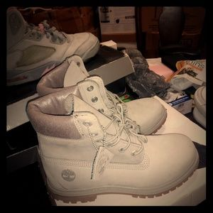 Grey Tims
